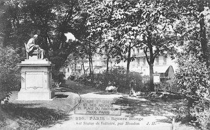 144  Square Monge et statue de Voltaire