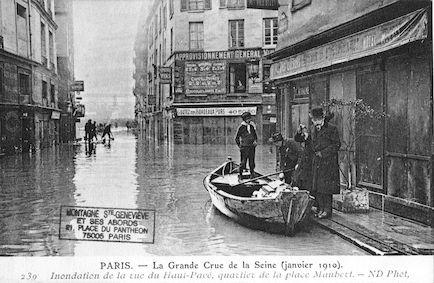 281 La grande crue de la Seine (janvier 1910). Inondation de la rue du Haut-Pavé