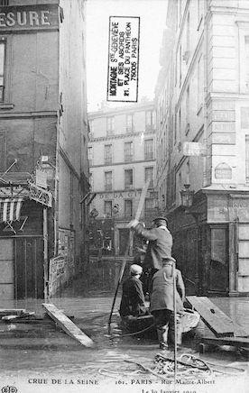 282 Crue de la Seine. Rue Maitre Albert. 30 janvier 1910