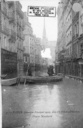 291 Janvier-février 1910. Les inondations. Place Maubert