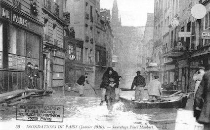 294 Inondations de Paris (janvier 1910). Sauvetage place Maubert