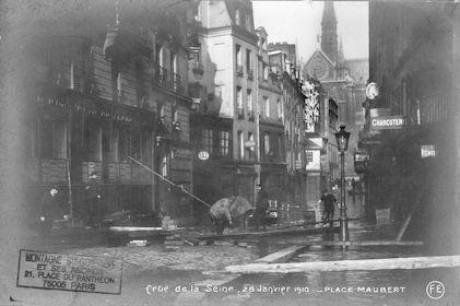 295A Crue de la Seine. 28 janvier 1901. Place Maubert