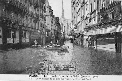 299B La grande crue de la Seine (Janvier 1910). Inondation de la rue du Haut-Pavé