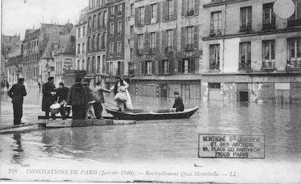 304 Inondations de Paris (janvier 1910) Ravitaillement Quai Montebello