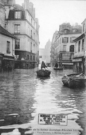 310 Crue de la Seine  (janvier-février1910)Place Maubert. La Marine de guerre