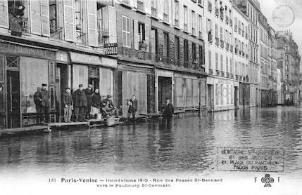 320 Paris-Venise. Inondations 1910. Rue des Fossés Saint Bernard