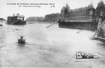 324 La crue de la Seine(janvier-février 1910) Vers le pont au Change