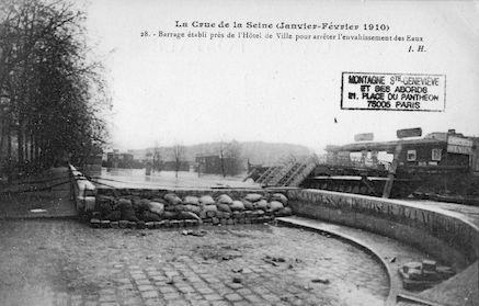 327 Crue de la Seine (Jan-fév 1910) Barrage établi près de l'Hôtel de Ville