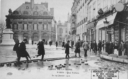 331 Crue de la Seine. Quai Voltaire le 29 janvier 1910