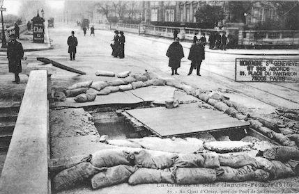 348 La crue de la Seine (janvier-février 1910). Quai d'Orsay - Pont de Solférino