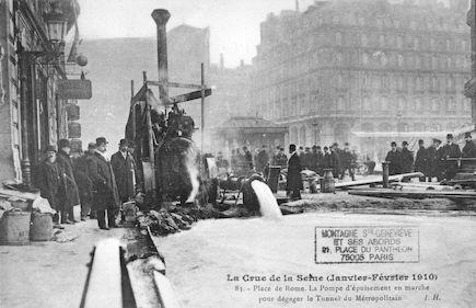 354 La crue de la Seine (janvier-février 1910).Place de Rome. La pompe d'épuisement