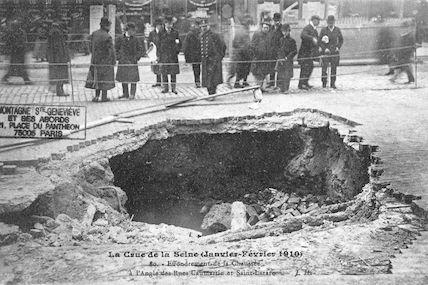 356 Crue de la Seine (jan-fév 1910) Effondrement de chaussée Caumartin-Saint Lazare