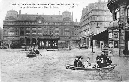 358 La crue de la Seine (janvier-février 1910). la gare Saint Lazare et la place de Rome