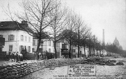 361La crue de la Seine (janvier-février 1910) Barrage établi quai de la Rapée