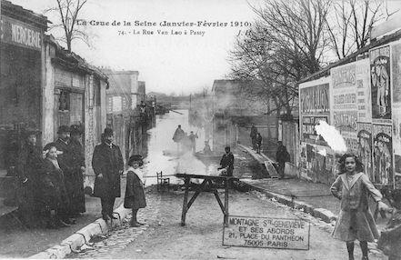 370 La crue de la Seine (janvier-février 1910) La rue Van-Loo à Passy