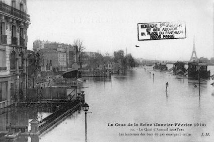 372 La crue de la Seine (janvier-février 1910) Le quai d'Austerlitz sous l'eau