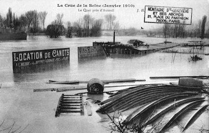 377 La crue de la Seine (janvier 1910) Le quai près d'Auteuil