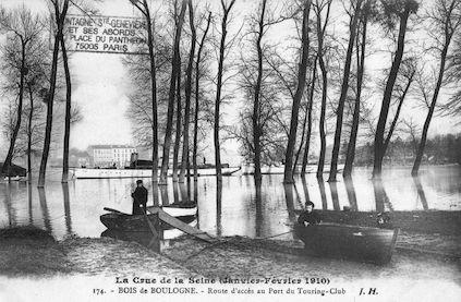 384 Crue de la Seine (jan-fév 1910) Bois de Boulogne. Port du Touring-club