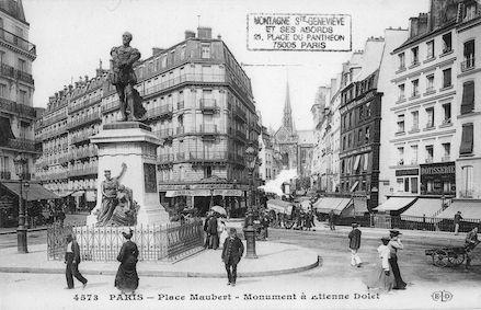 39 Place Maubert. Monument  à Etienne Dolet