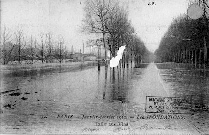 399 Janvier-février 1910 Les inondations. La Halle aux vins