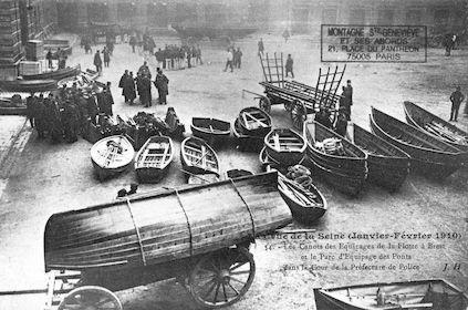 404 Crue de la Seine (jan-fév 1910) Canots de la flotte de Brest-Préfecture de Police