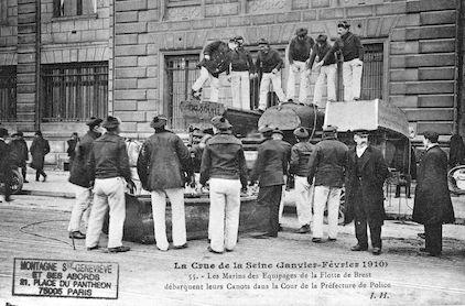 405 Crue de la Seine(jan-fév 1910)Canots de la flotte de Brest-Préfecture de Police