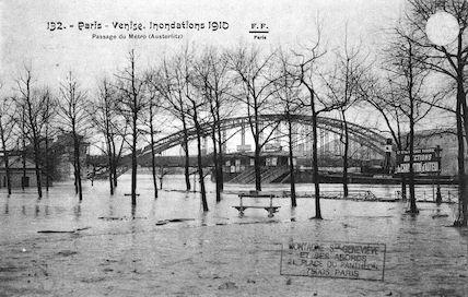 407 Paris-Venise. Inondations 1910 Passage du Métro (Austerlitz)