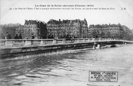 418A La crue de la Seine (janvier-février 1910)Le pont de l'Alma