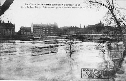 438 Crue de la Seine (jan-fév 1910) Pont Royal. Côte 9m50 (normale 2m50)