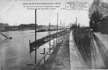 447 Crue de la Seine (jan. 1910) Rehausse du mur du chemin de fer d'Austerlitz à Orsay