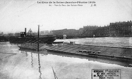 455 La crue de la Seine (janvier-février 1910) Vers le pont des Saints-Pères