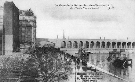 459 La crue de la Seine (janvier-février 1910) Vers le viaduc d'Auteuil