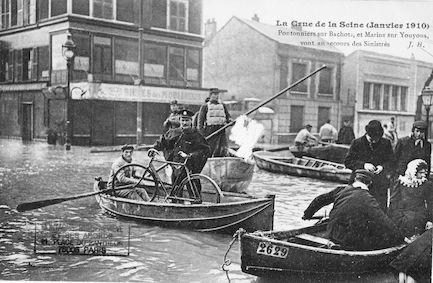 466 Crue de la Seine (jan 1910) Pontonniers et Marins au secours des sinistrés
