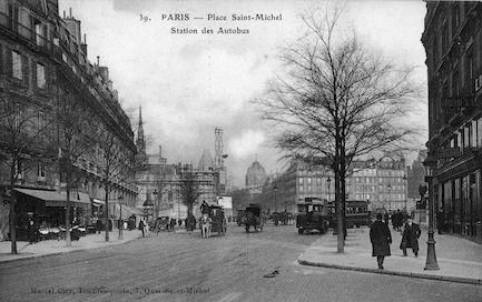 513 Place Saint Michel. Station des autobus