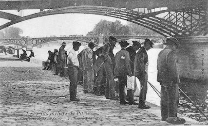 527 Les p'tits métiers de Paris. Sur les berges de la Seine. Pêcheurs à la ligne