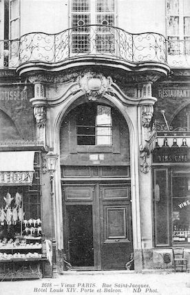 539 Rue Saint Jacques. Hôtel Louis XIV. Porte et balcon