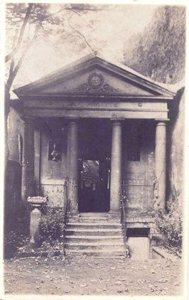 560 20 rue Jacob  Propriété habitée par Adrienne Lecouvreur. Temple de l'Amitié