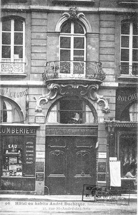 565 Hôtel où habita André Duchesne, historien mort en 1640, 27 rue St André-des-arts