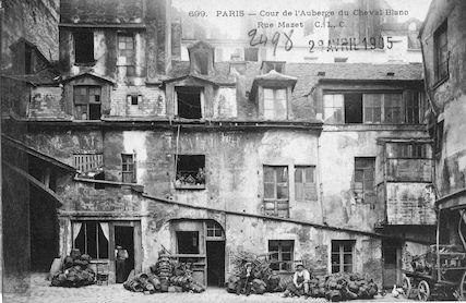 597 Cour de l'auberge du Cheval Blanc