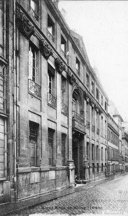598 Hôtel René de Rieux 8 rue Garancière