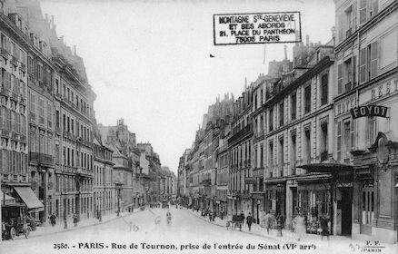 600 Rue de Tournon prise de l'entrée du Sénat
