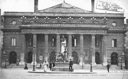 609 Théâtre National de l'Odéon. Statue d'Emile Augier