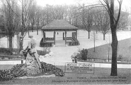 622 Parc Montsouris en hiver. Kiosque à musique et statue du Sauveteur par Etex