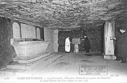 647 Les Catacombes. Ossements du cimetière de St Etienne-des-Grès, mai 1787