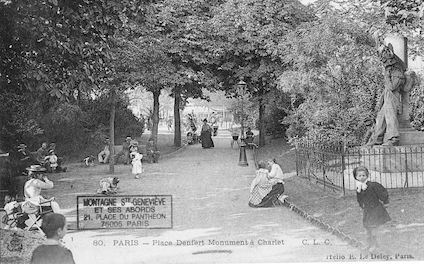 653 Place Denfert. Monument Charlet