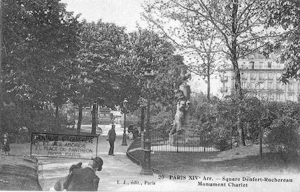 654 Square Denfert Rochereau. Monument Charlet
