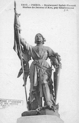 671 Boulevard Saint Marcel. Statue de jeanne d'Arc par Chatrousse