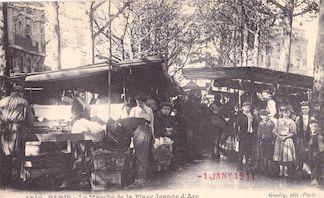 823.  Le marché de la place Jeanne d'Arc