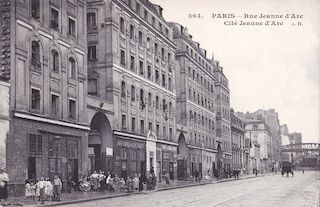830.  Rue Jeanne d'Arc et Cité Jeanne d'Arc