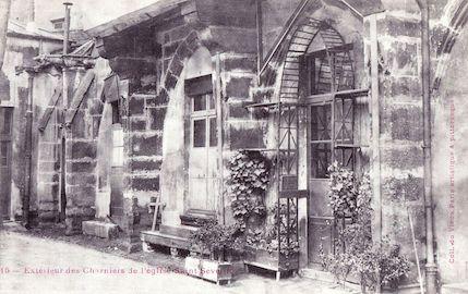 912 Extérieur des Charniers de l'église Saint-Séverin